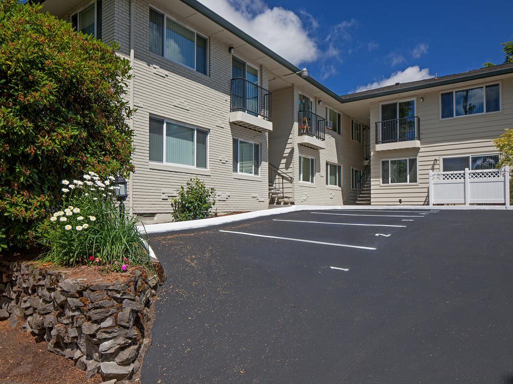 Premier Apartment Community at Crown Royal, Portland