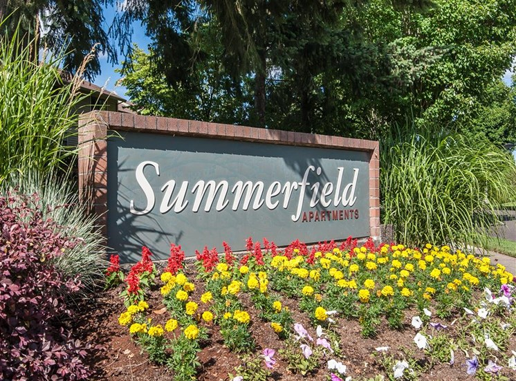 Monument Sign at Summerfield, Tigard