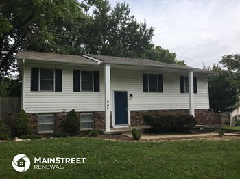 1004 NE Westwind Ct 3 Beds House for Rent Photo Gallery 1