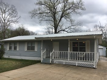 2121 Mississippi Ave 3 Beds House for Rent Photo Gallery 1
