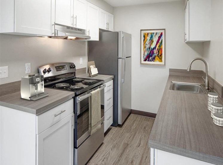 All Electric Kitchen at Parkridge Apartments, Oregon