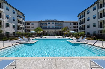 25500 Westheimer Pkwy 1-2 Beds Apartment for Rent Photo Gallery 1
