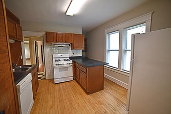 3621/23 Central 2 Beds Apartment for Rent Photo Gallery 1