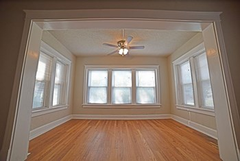 4025 Harrison 1-2 Beds Apartment for Rent Photo Gallery 1