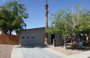 5236 Apple Valley 3 Beds House for Rent Photo Gallery 1