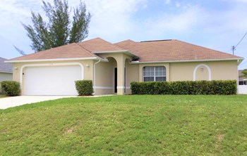 1206 NW 20 Place 4 Beds House for Rent Photo Gallery 1