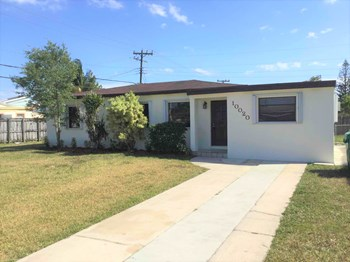 10020 SW 37 Street 4 Beds House for Rent Photo Gallery 1