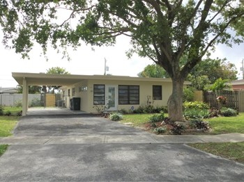 3600 SW 2 St 3 Beds House for Rent Photo Gallery 1