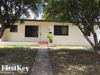 3621 NW 175th St 4 Beds House for Rent Photo Gallery 1