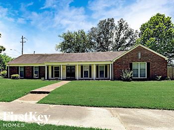 6613 Langdale Cove 4 Beds House for Rent Photo Gallery 1