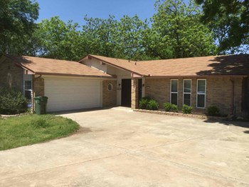 903 CYPRESS CT 4 Beds House for Rent Photo Gallery 1