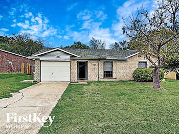 1225 COVE DR 3 Beds House for Rent Photo Gallery 1