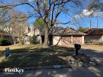 15410 PEBBLE LAKE DR 3 Beds House for Rent Photo Gallery 1