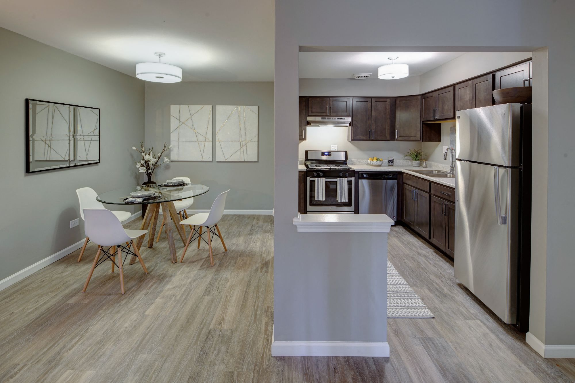 Kitchen Come Dining View at Carol Stream Crossing, Carol Stream, IL, 60188
