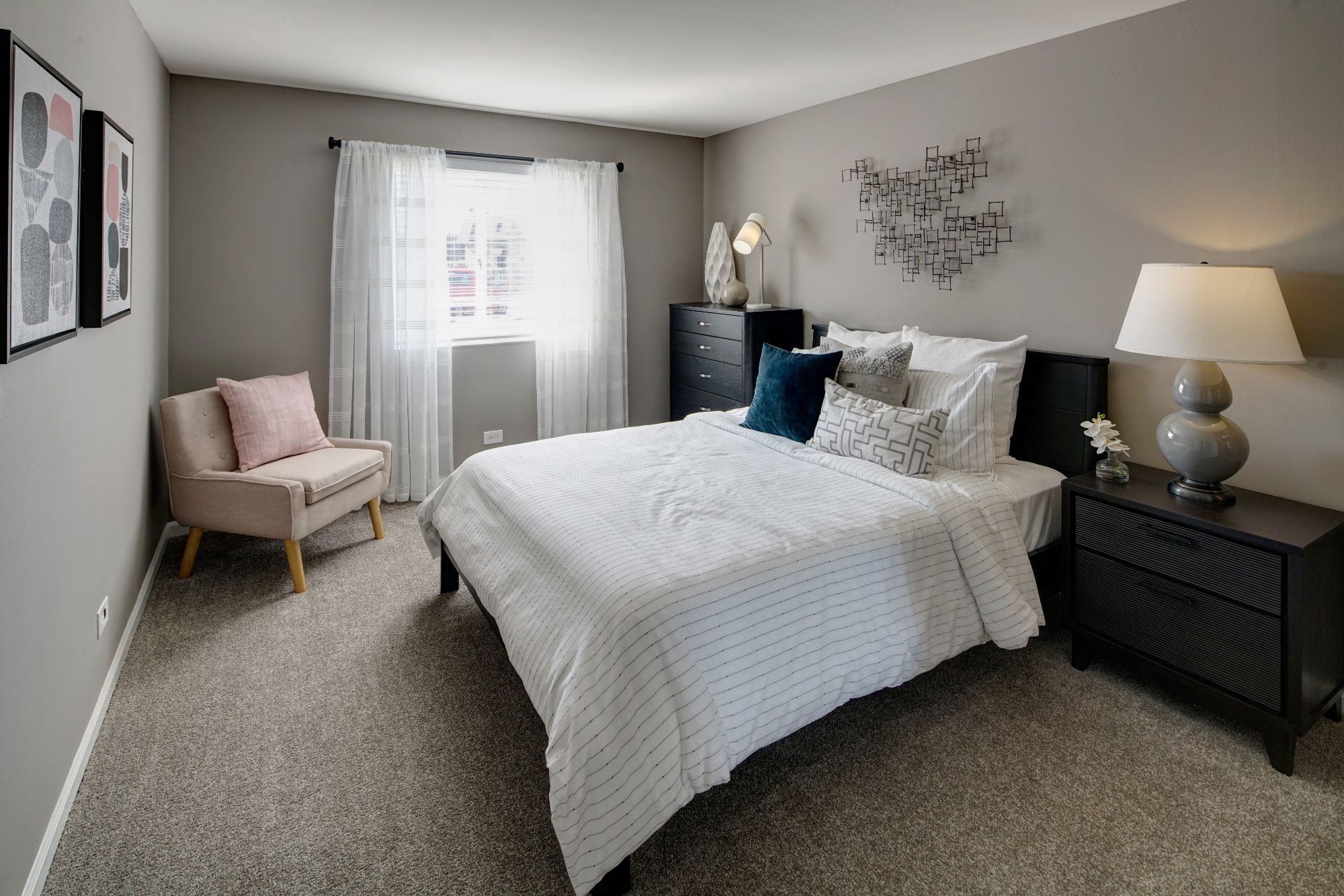 Well Appointed Bedroom at Carol Stream Crossing, Carol Stream, 60188