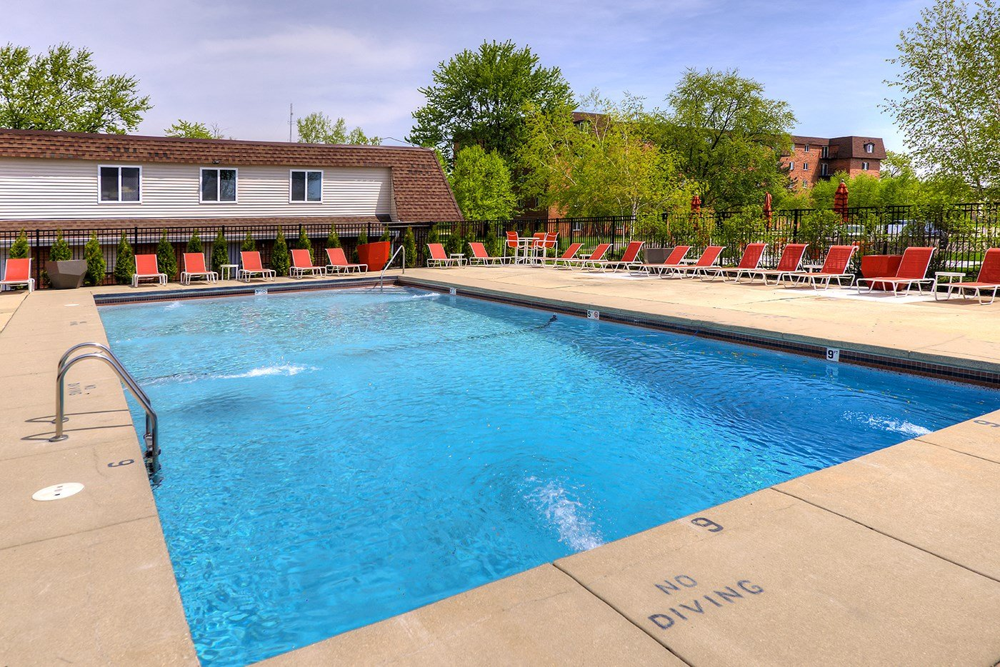 Pool with Sunning Deck, at Carol Stream Crossing, Carol Stream, IL 60188