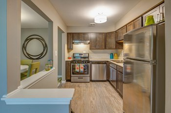535 Thornhill Dr 1-2 Beds Apartment for Rent Photo Gallery 1