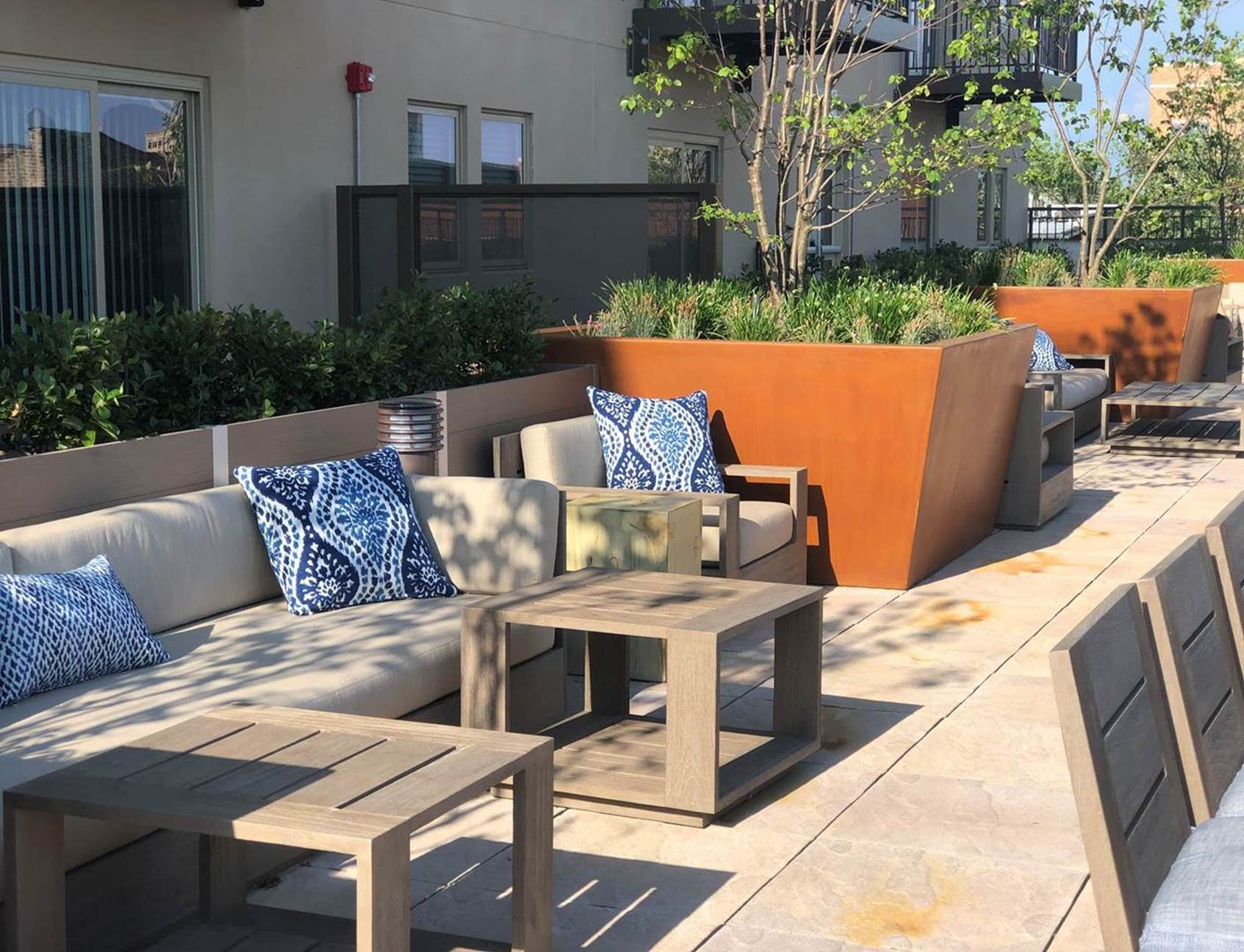 Outdoor Living Chicago Apartments