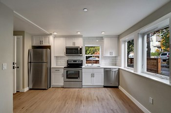 1609 E Columbia St 1-2 Beds Apartment for Rent Photo Gallery 1