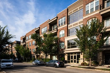 565 W 1st Avenue 1-2 Beds Apartment for Rent Photo Gallery 1