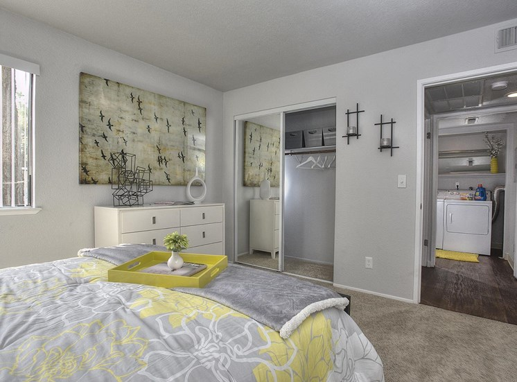 Spacious Bedrooms with en Suite Bathrooms at The Edge, Davis, CA 95618