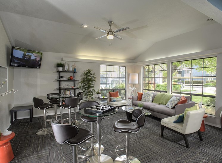 Beautiful Resident Lounge with TV at The Edge, California, 95618