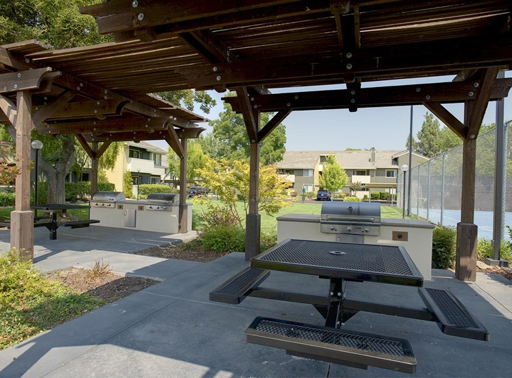 Covered Dining Area with Grill at The Edge, Davis,California