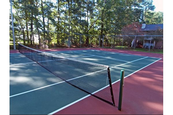 Forest Lake at Oyster Point Apartments Tennis Court