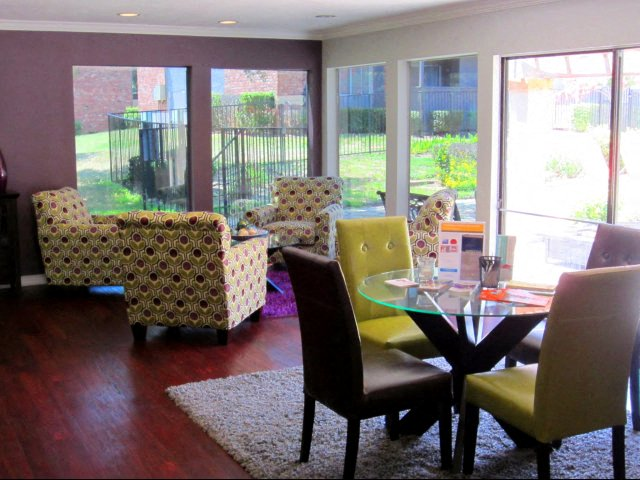 Superbe Princeton Club Apartments Longview TX Clubhouse View