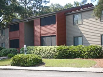 3833 North Oak Street Ext. 3 Beds Apartment for Rent Photo Gallery 1