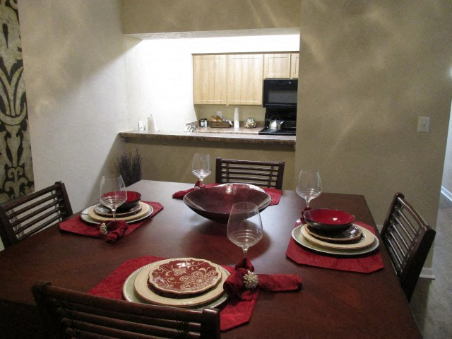 Turtle Lake Apartments Dining Room
