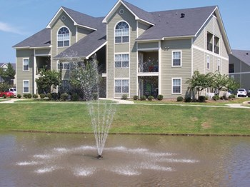 100 Twin Oaks Lane 1-3 Beds Apartment for Rent Photo Gallery 1