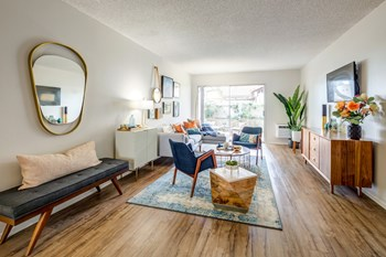1151 Walnut Ave 1-2 Beds Apartment for Rent Photo Gallery 1