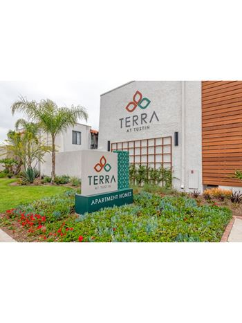 Pet Friendly Apartments in Tustin