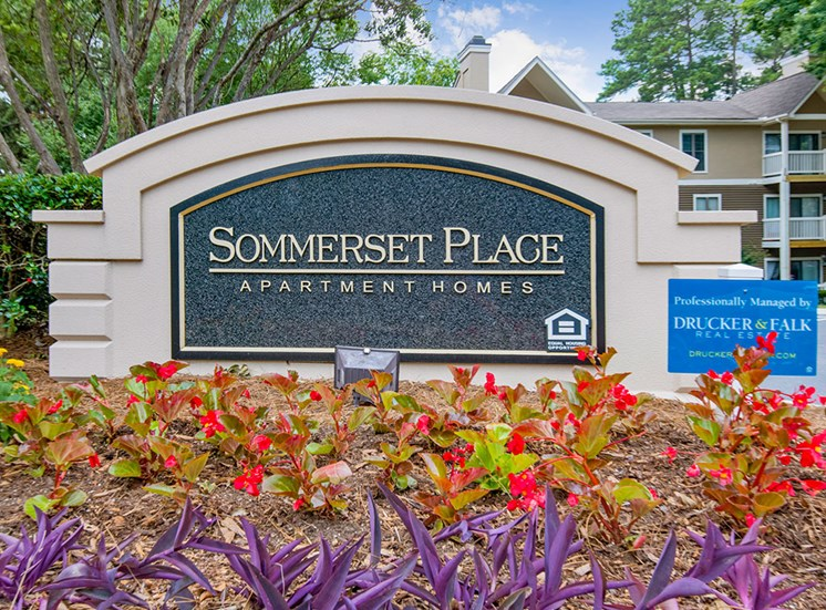 Sommerset-Place-Sign