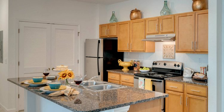 Vineland Landings Apartments in Kissimmee, FL. Make this community your new home or visit other Concord Rents communities at ConcordRents.com. Kitchen