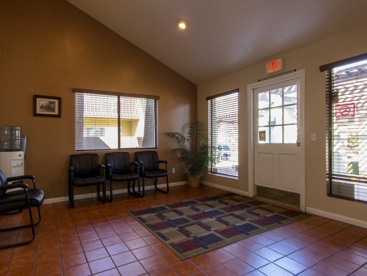 Leasing Office at River Oaks Apartments in Tucson, AZ