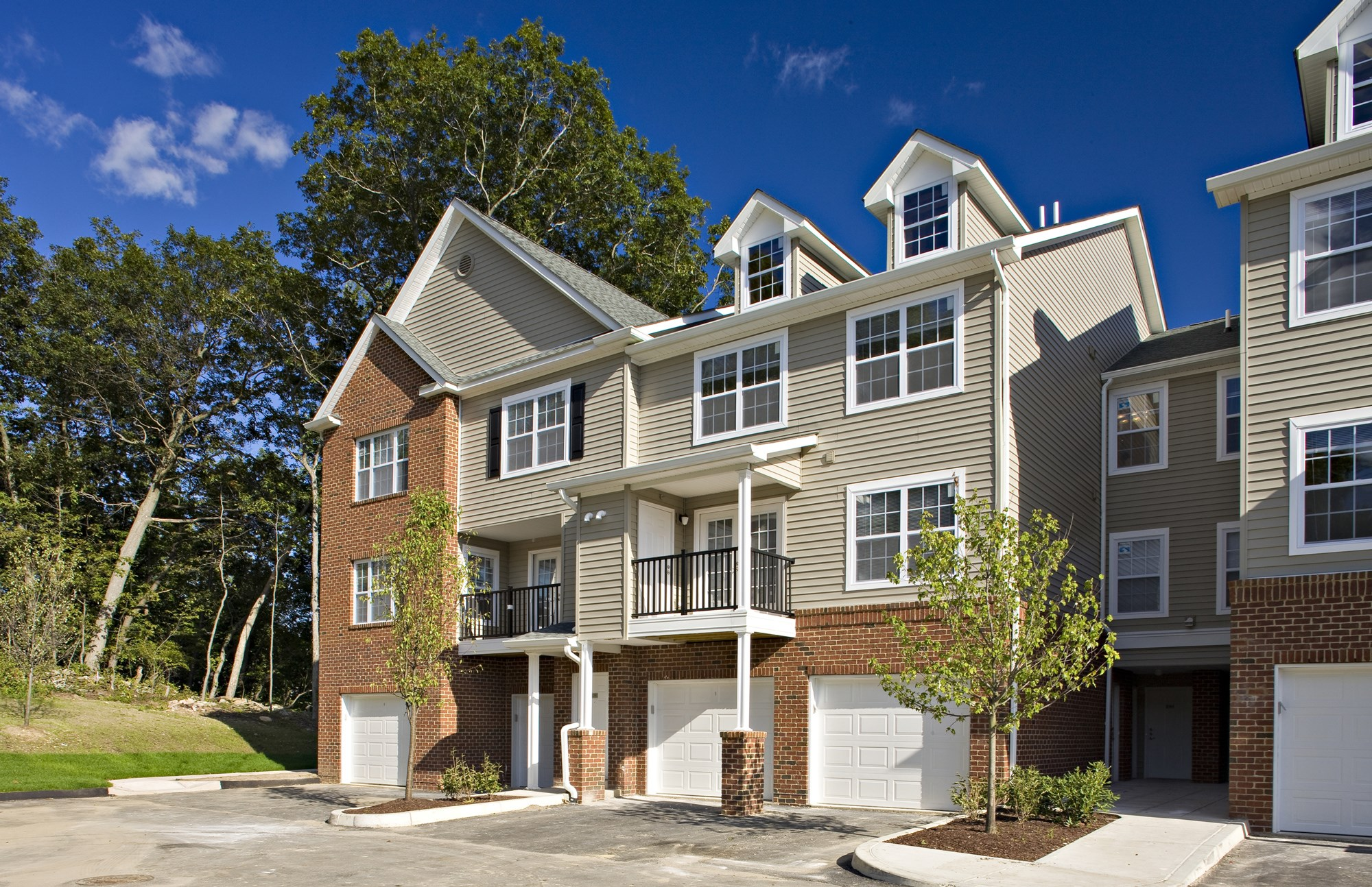 Exterior at Huntington Townhomes in Shelton, CT