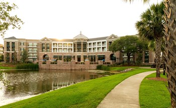 211 River Landing Dr. Studio-3 Beds Apartment for Rent Photo Gallery 1