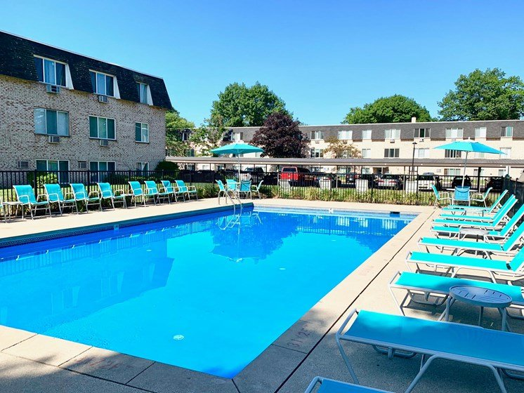Pool and Sundeck at The Shores of Roosevelt Park Apartments in Muskegon MI