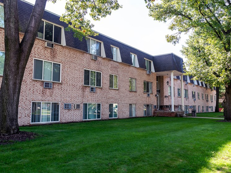 Amazing Community Amenities at the Shores of Roosevelt Park Apartments in Muskegon MI