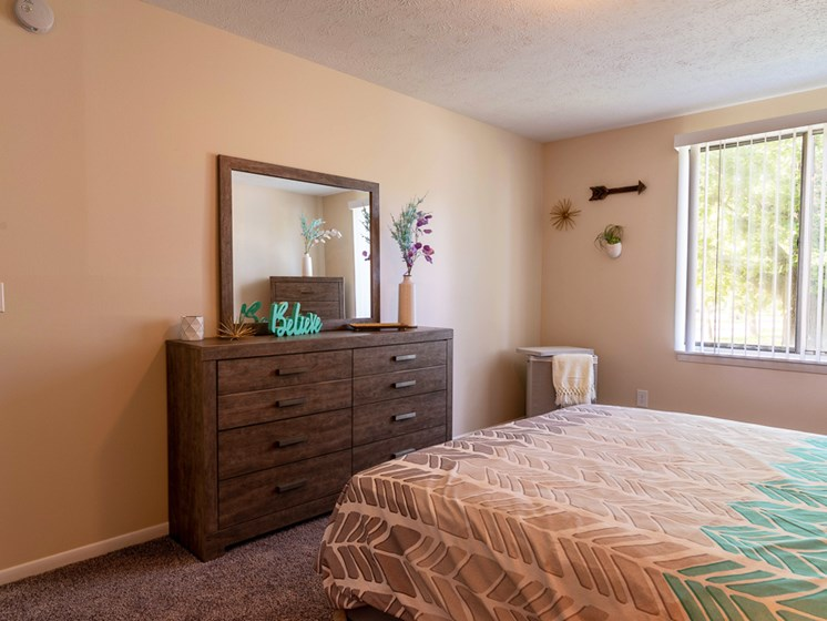 Spacious Bedrooms Large Floor Plans at The Shores of Roosevelt Park Apartments Muskegon MI