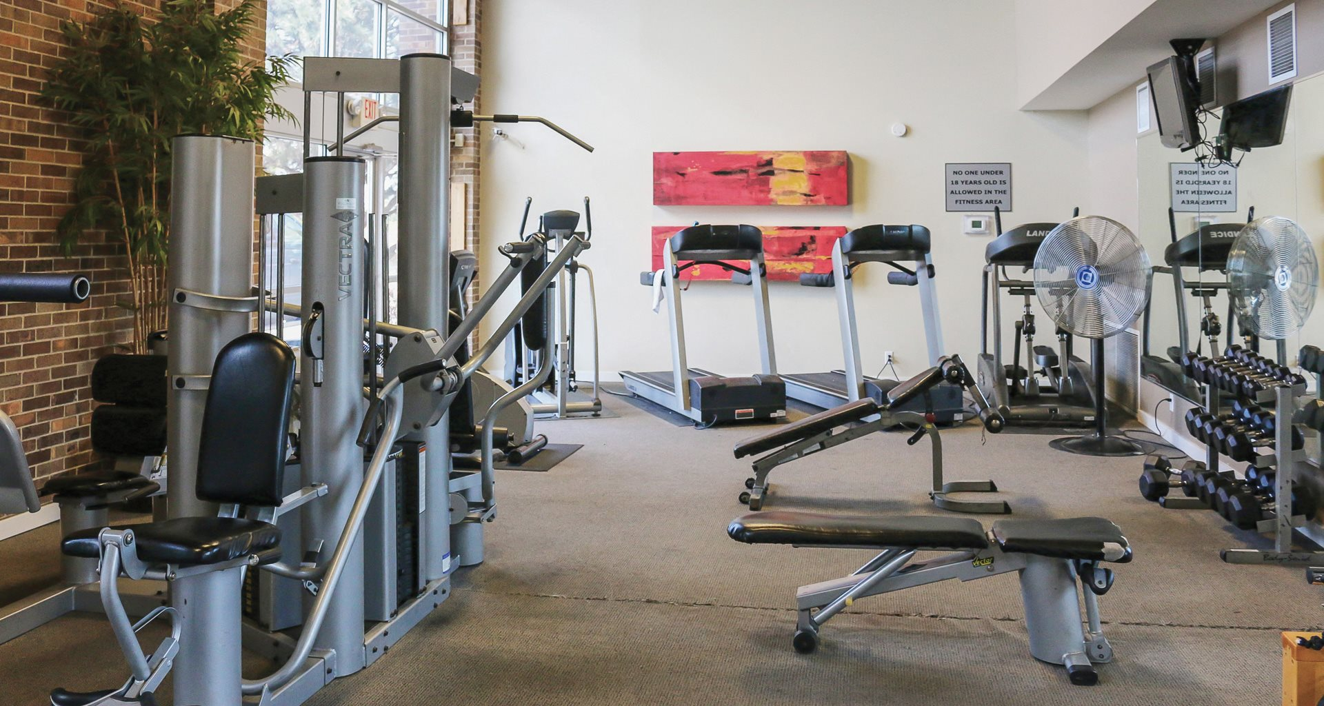 Large Fitness Center Grandridge Apartments Omaha, NE