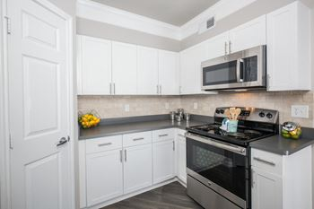 21303 Encino Commons Blvd. 1-3 Beds Apartment for Rent Photo Gallery 1