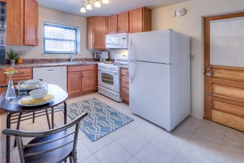 443 Sherwood Road 1-2 Beds Apartment for Rent Photo Gallery 1
