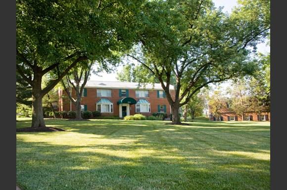 HAMPTON GARDENS Apartments, 5927 Suson Place, Management Office, St ...