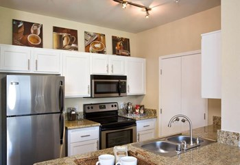 5700 Lochmoor Drive 1-2 Beds Apartment for Rent Photo Gallery 1