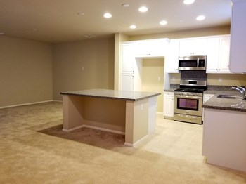 1793 Daffodil Ave 4 Beds House for Rent Photo Gallery 1