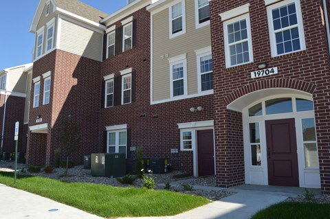Exposed Brick Design on Apartments at Lynbrook Apartment Homes and Townhomes, Elkhorn, Nebraska