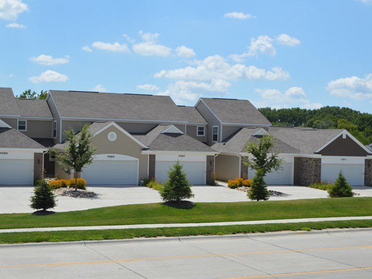 Garage With Remote Opener at Lynbrook Apartment Homes and Townhomes, Elkhorn
